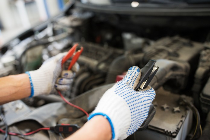 Restoreing the automobile battery methods.