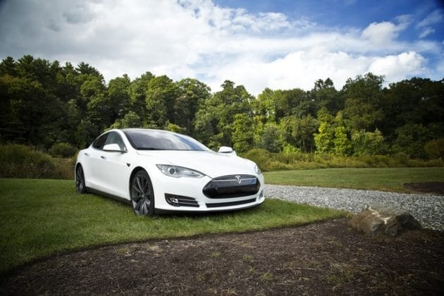 How Much Does Tesla Battery Replacement Cost?